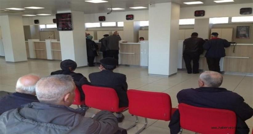 CHP'li Özcan Dile Getirdi, Banka Çalışanlarına Aşı Önceliği Geldi!