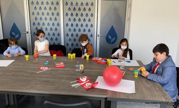Deva Partisi Muğla İl yönetim kurulu, 23 Nisan'da koltuklarını çocuklara bıraktı
