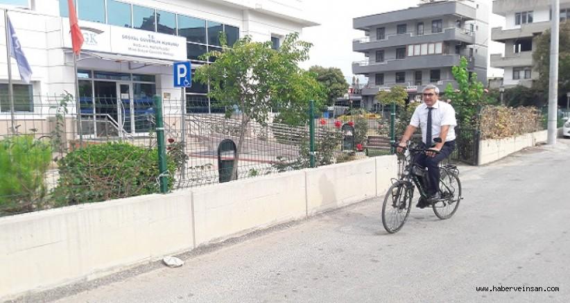 Her Gün İşe, Bisikletiyle Gidip-Gelen Kurum Müdürü